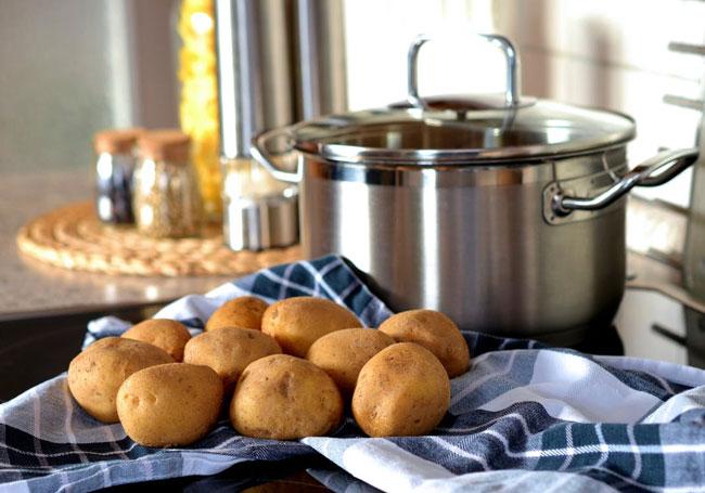 Dog-Eat-Potatoes